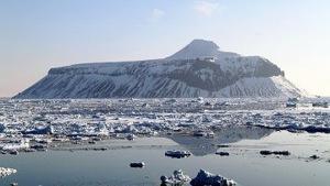 Российские ученые проникли в подледниковое озеро Восток в Антарктиде