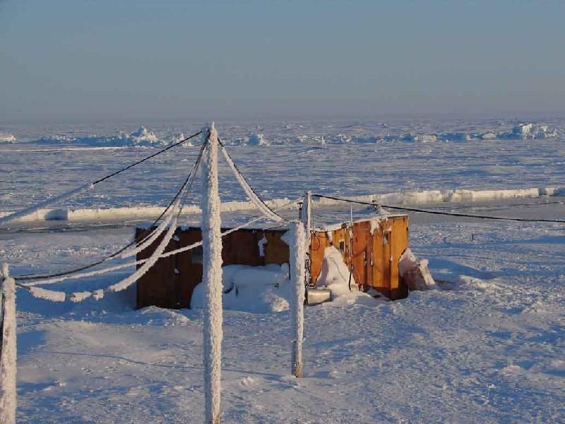 Дрейфующие станции с учеными в Арктике могут заменить автоматикой