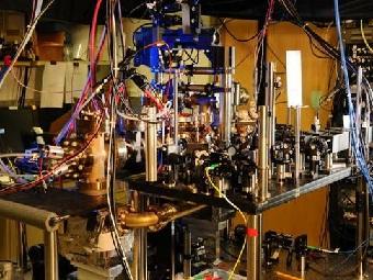 Атомные часы на основе иттербия ставят новый рекорд точности
