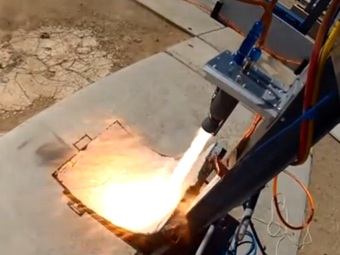 Студенты испытывают отпечатанный на 3D-принтере ракетный двигатель