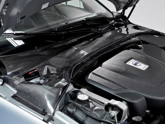 Volvo заменит стальные детали заряженными панелями из углеродного волокна