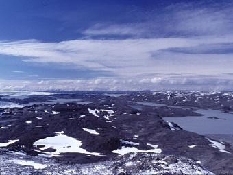 Подо льдом Гренландии впервые найдены озера
