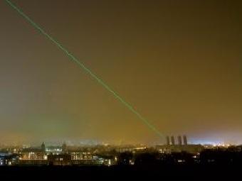Передавайте электричество на сотни километров с помощью лазеров и аэростатов