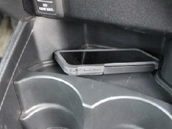 Смартфон будет заряжаться от вибраций вашего автомобиля