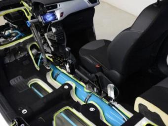 Peugot продаст гибридные машины, работающие на газе и сжатом воздухе