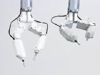 Космический мини робот-хирург для операций в космосе