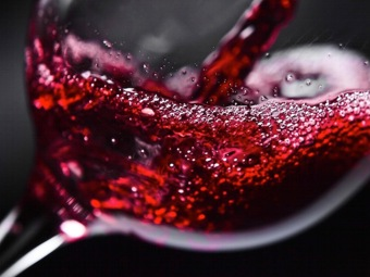 Бактерия, содержащаяся в вине, полезна для нашего здоровья
